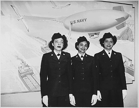 """Hospital Apprentices second class Ruth C. Isaacs, Katherine Horton and Inez Patterson (left to right) are the first Negro WAVES to enter the Hospital Corps School at National Naval Medical Center, Bethesda, MD."" (NAID 520634)"